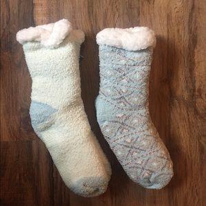 NWT Cuddl Duds Sherpa Lined Cabin Socks
